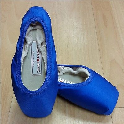 Royal gloss pointe shoe covers
